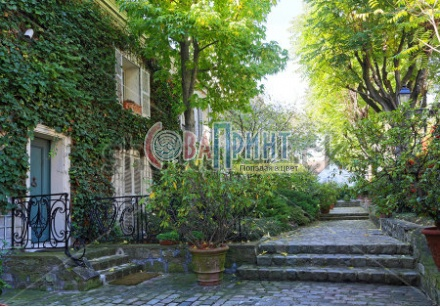 stock-photo-beautiful-street-on-the-montmartre-hill-in-paris-238191784